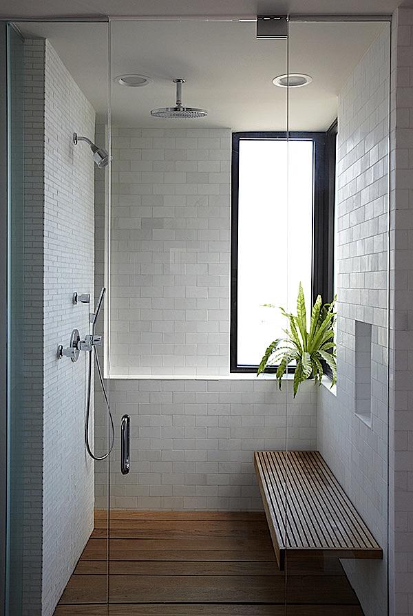 Badkamers met houten accenten eenig wonen bloglovin - Badkamer houten vloer ...