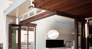 Transition-between-environments-Mosman-House
