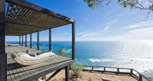coastal-house-bluff-designed-blend-landscape-4-thumb-630xauto-44310