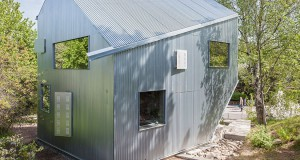 Happy-Cheap-House-by-Tommy-Carlsson-Arkitektur-2