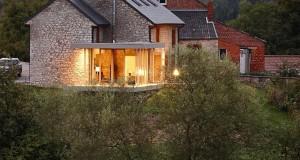 Holiday-house-renovation-by-Dehullu-Architecten-11