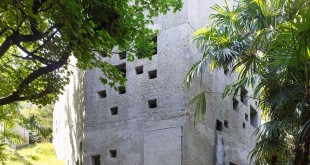Concrete-House-in-Caviano-small-openings