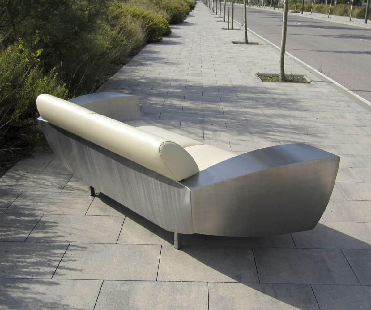 Különleges kanapék fémmel kombinálva – Készház Portál ...