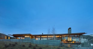 Bigwood house. Sun Valley, Idaho. Image license: Olson Kundig Architects and Schuchart Dow. © Copyright 2015 Benjamin Benschneider All Rights Reserved. Usage may be arranged by contacting Benjamin Benschneider Photography. Email: bbenschneider@comcast.net or phone: 206-789-5973.