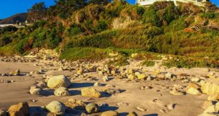 Cindy-Crawford-House-For-Sale-Malibu-CA-House
