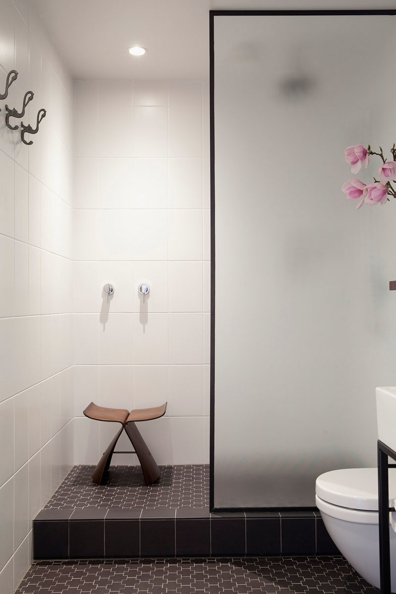 Black-shower-porcelain-floor-design