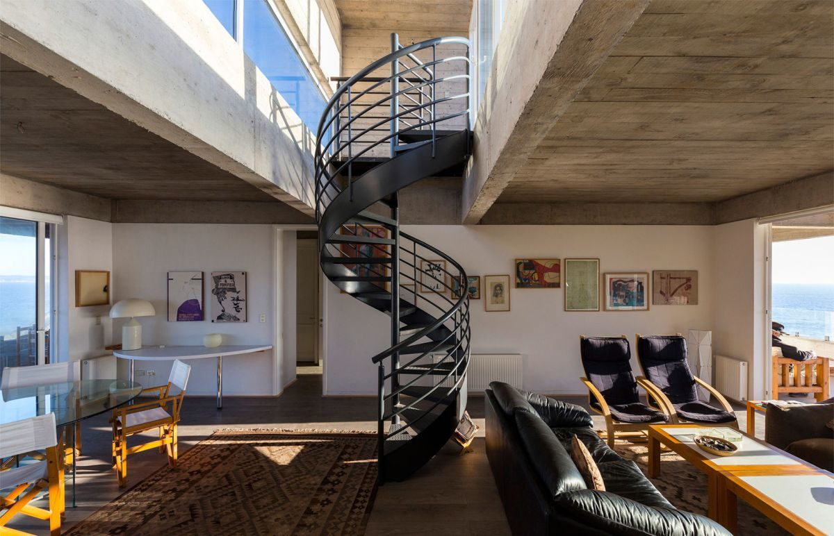 The-Mirador-House-spiral-staircase