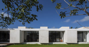 Merida-residence-with-a-very-clean-and-simple-geometry