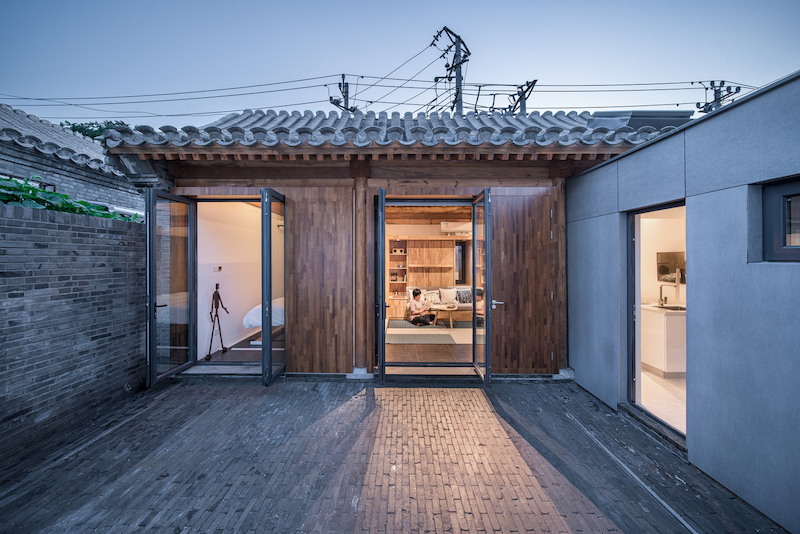 House-of-the-future-with-a-very-simple-design-and-structure